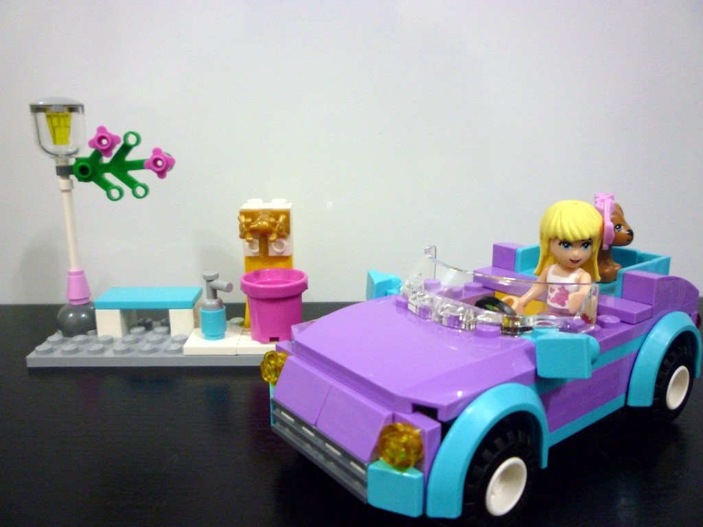 Review: 3183 – Friends – Stephanie's Cool Convertible