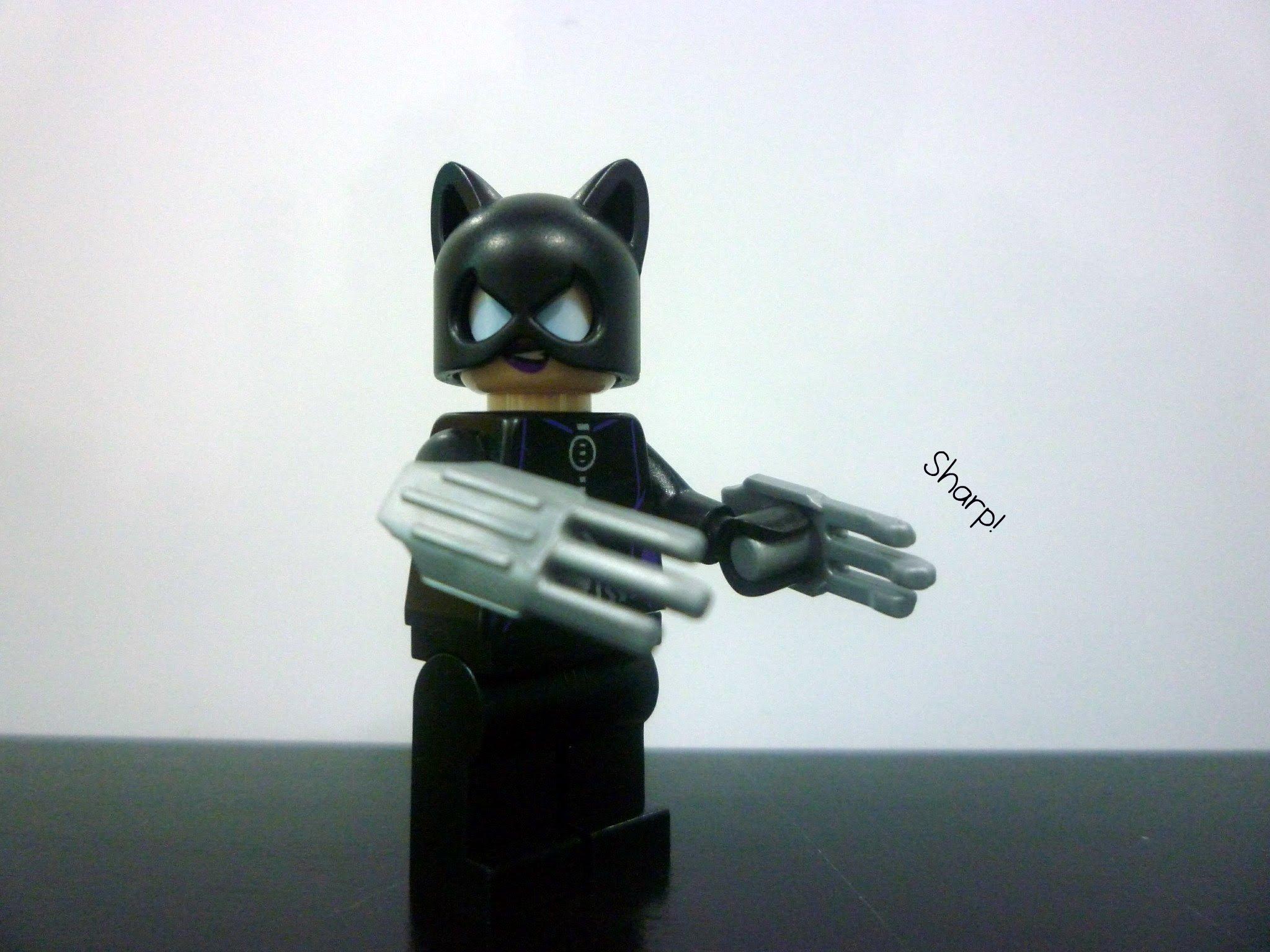 Lego CATWOMAN minifigure 6858 Catcycle city chase BATMAN minifig DC Super Hero