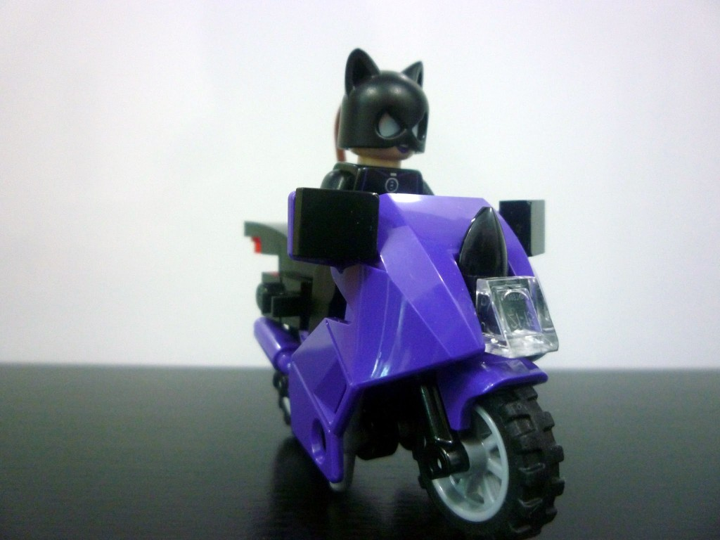 Review: 6858 – Catwoman Catcycle City Chase