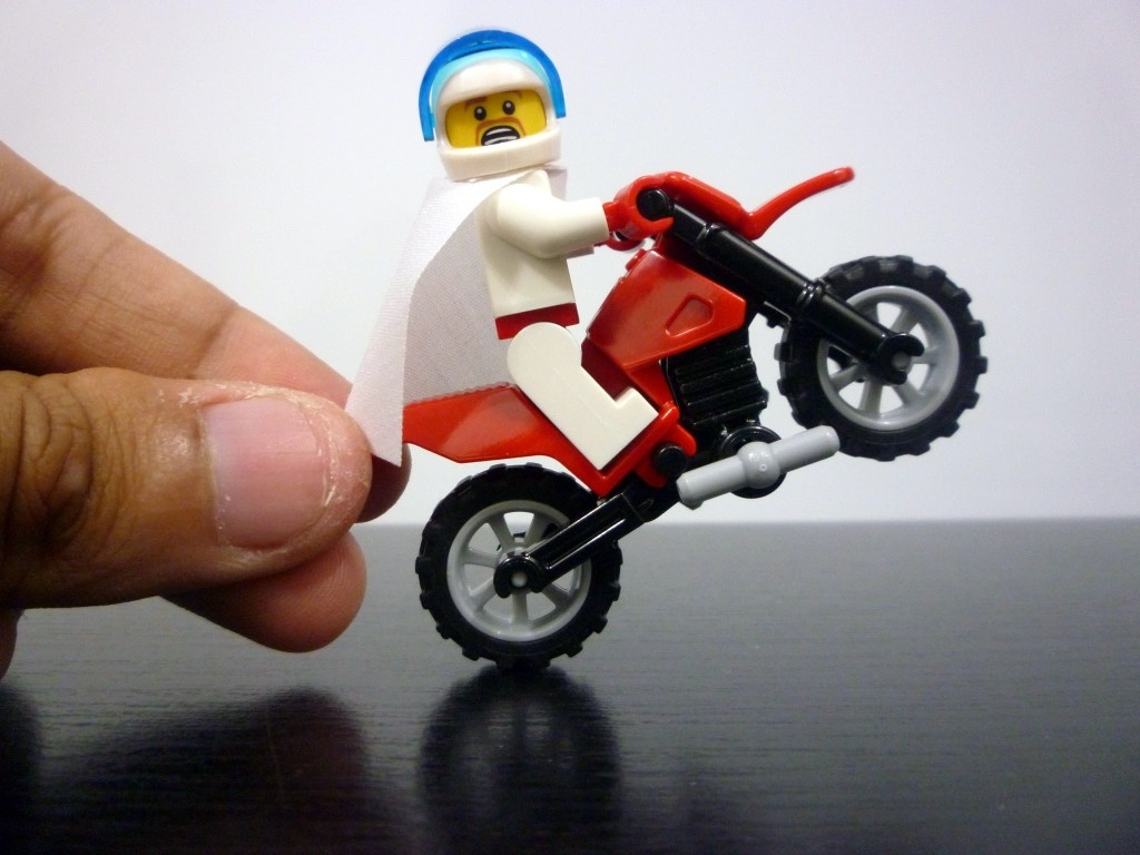 lego-minifigures-series-7-daredevil-on-dirt-bike