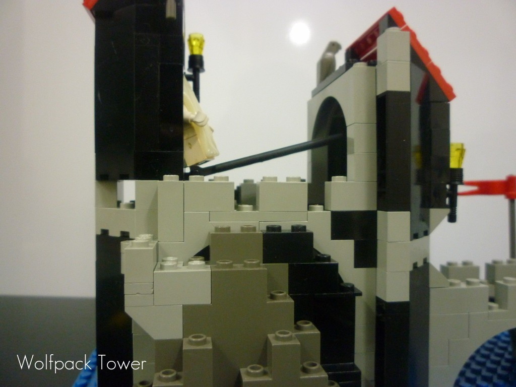 lego-wolfpack-tower-19