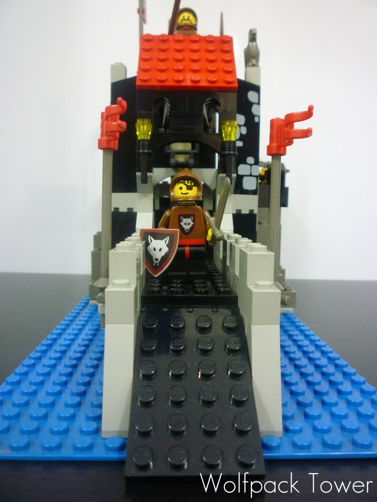 lego-wolfpack-tower-6