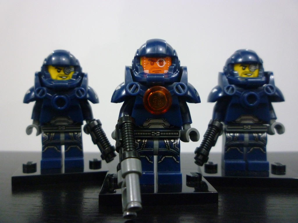 lego-minifigures-series-7-galaxy-patrol-group