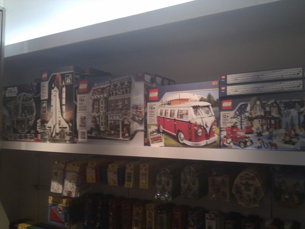 lego-store-bangsar-village-8