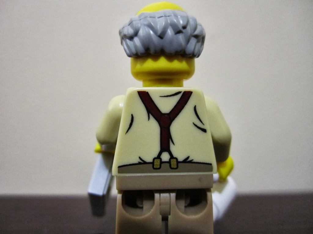 lego-minifigures-grandpa-back