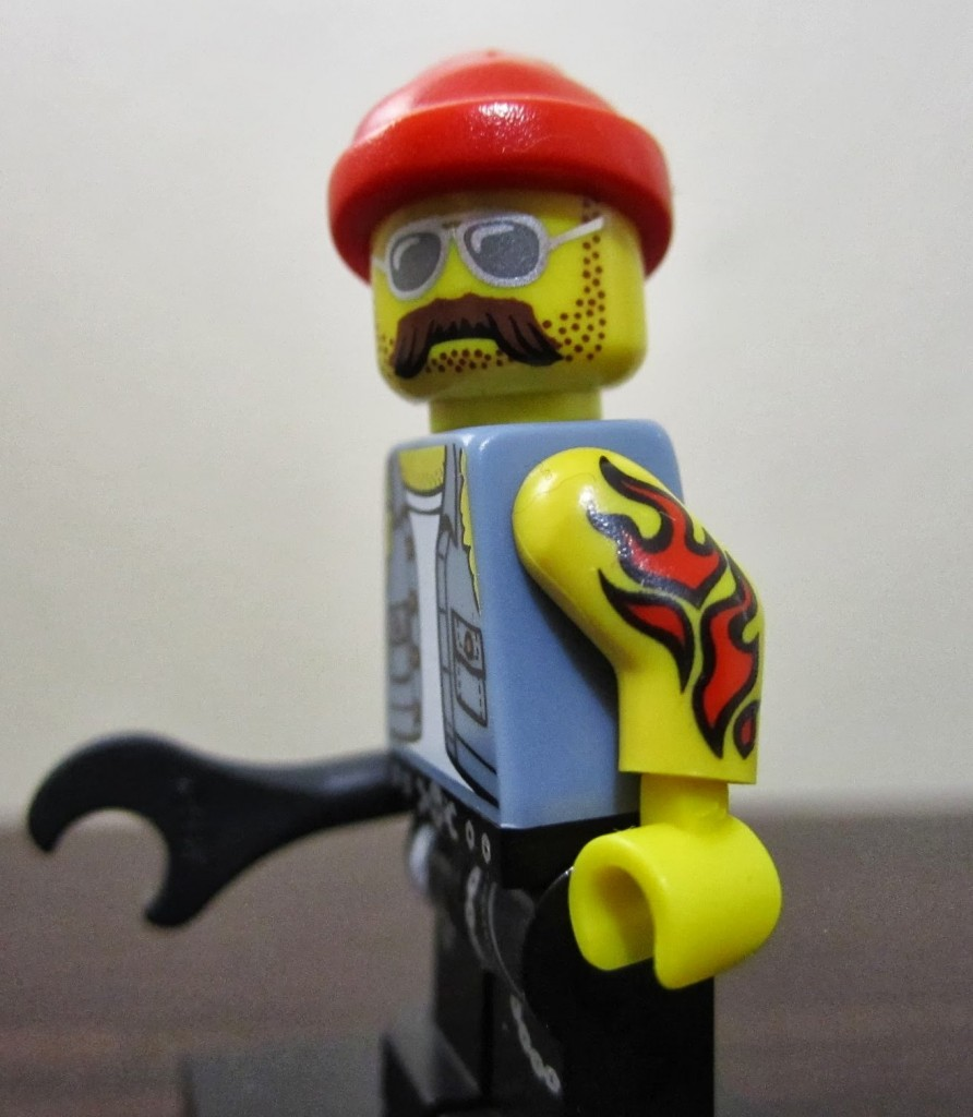 lego-minifigures-motorcycle-mechanic-tattoo