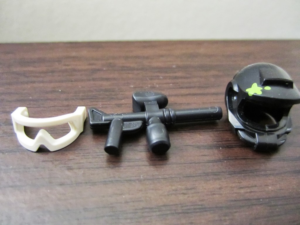 lego-minifigures-paintball-player-accessories