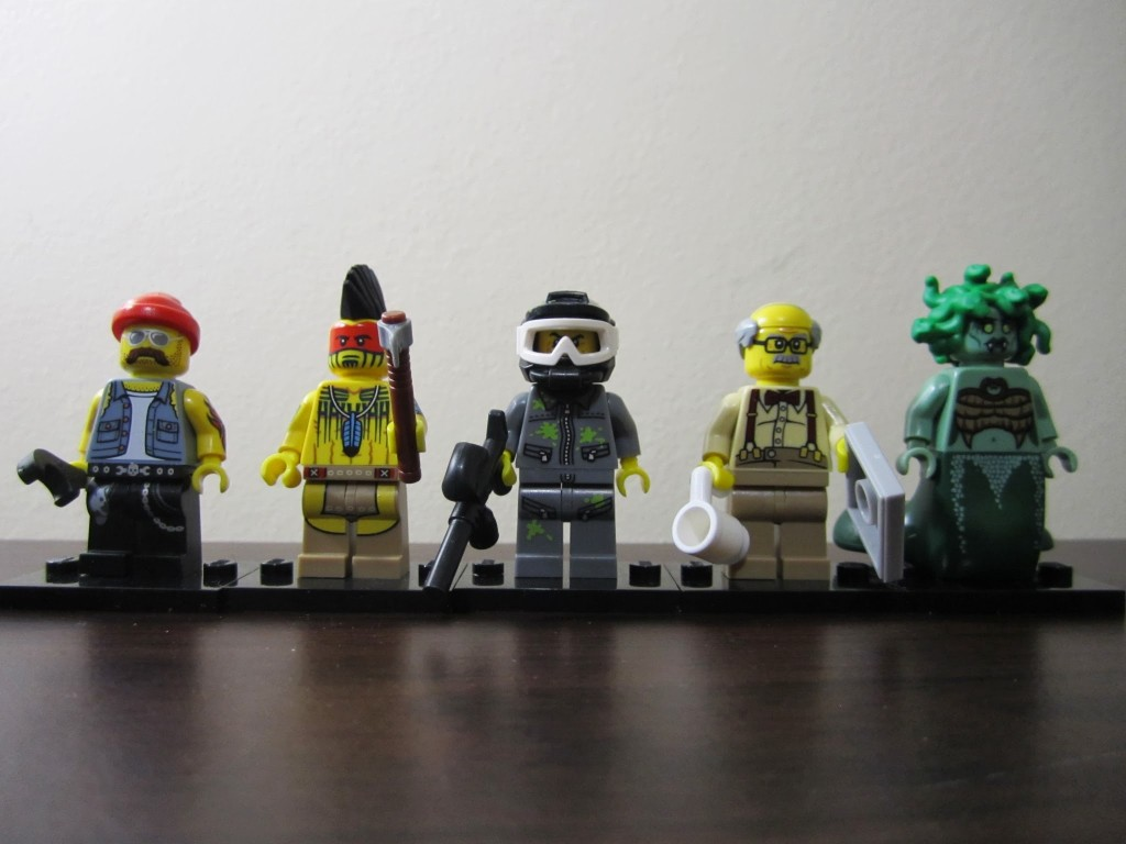lego-minifigures-review-part-1-lineup