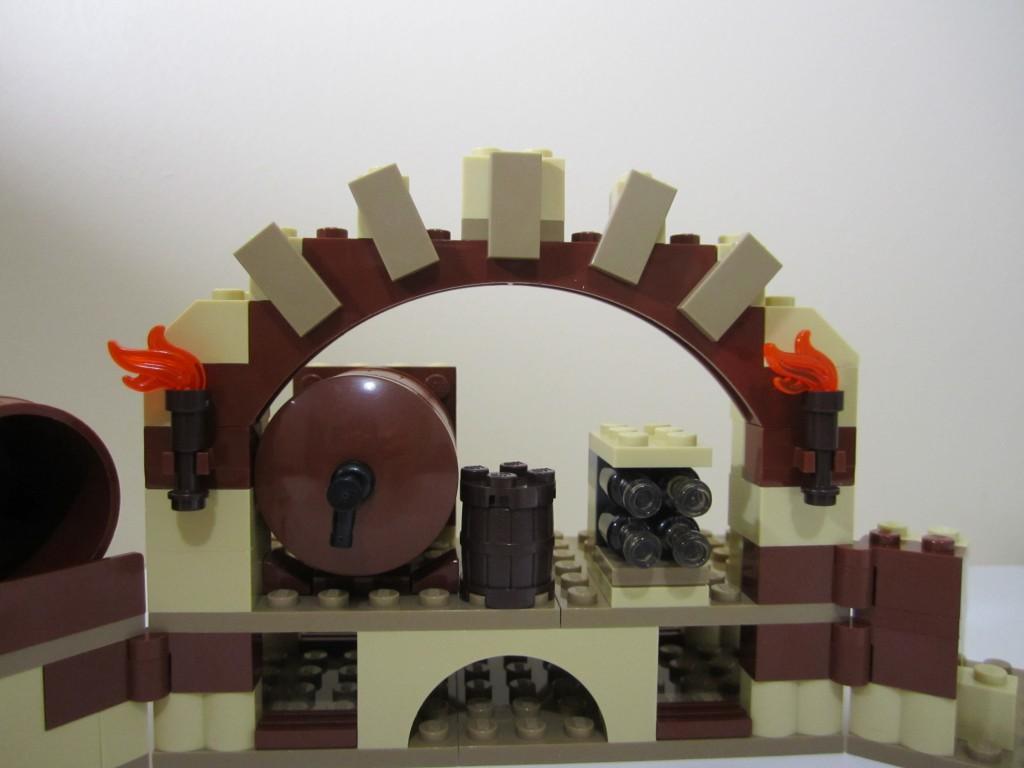 lego-79004-barrel-escape-7