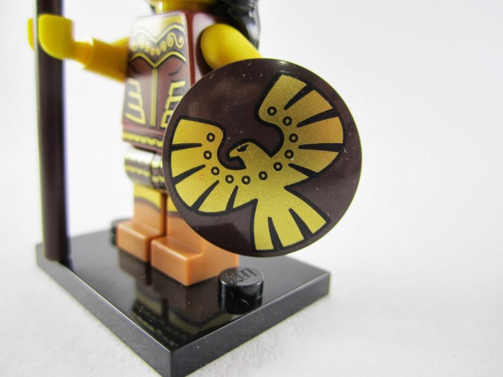 lego-minifigures-series-10-warrior-woman-shield