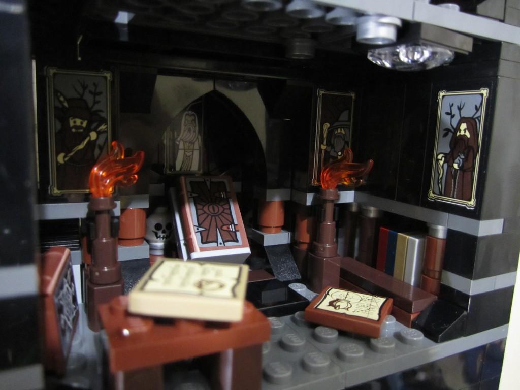 Lego Orthanc Wizard Room