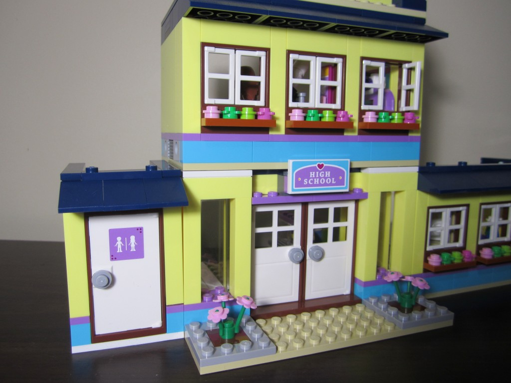 Lego 41005 - Heartlake High (17)