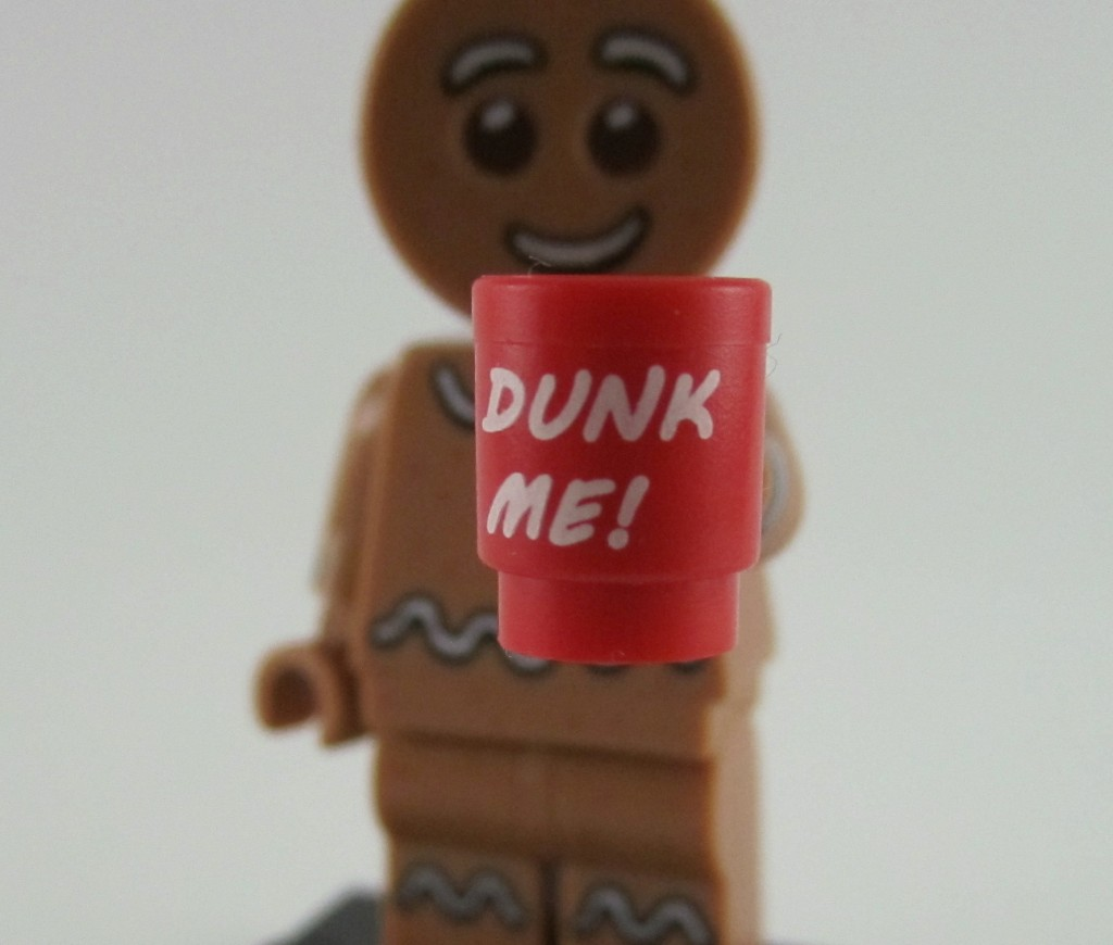 Lego Minifigures Series 11 - Gingerbread Man Cup Dunk Me
