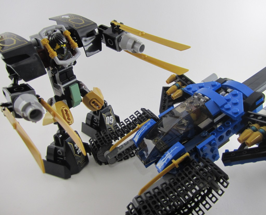 Review: Lego 70723 – Thunder Raider
