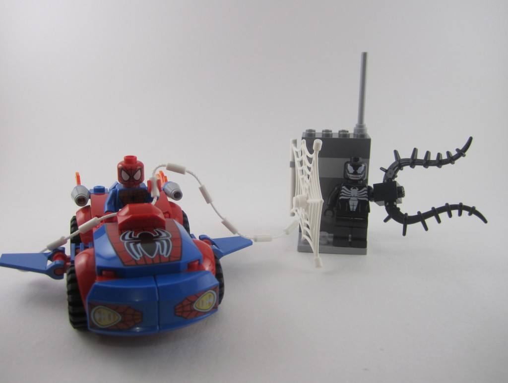 Review: LEGO Juniors 10665 Spider-Man: Spider-Car Pursuit