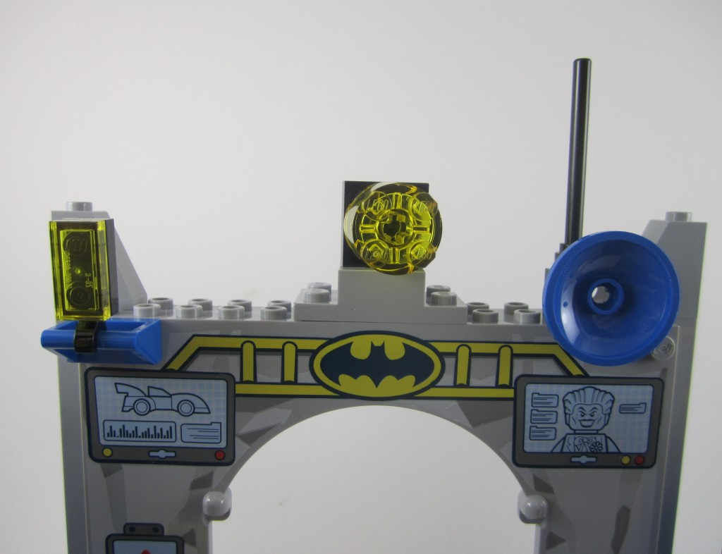 LEGO 10672 Juniors Batman Defend The Batcave (17)