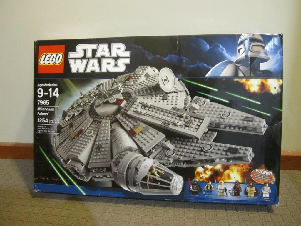 7965 LEGO Millennium Falcon
