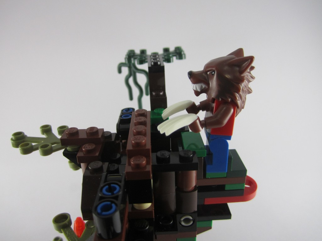 LEGO 9463 The Werewolf Play Feature