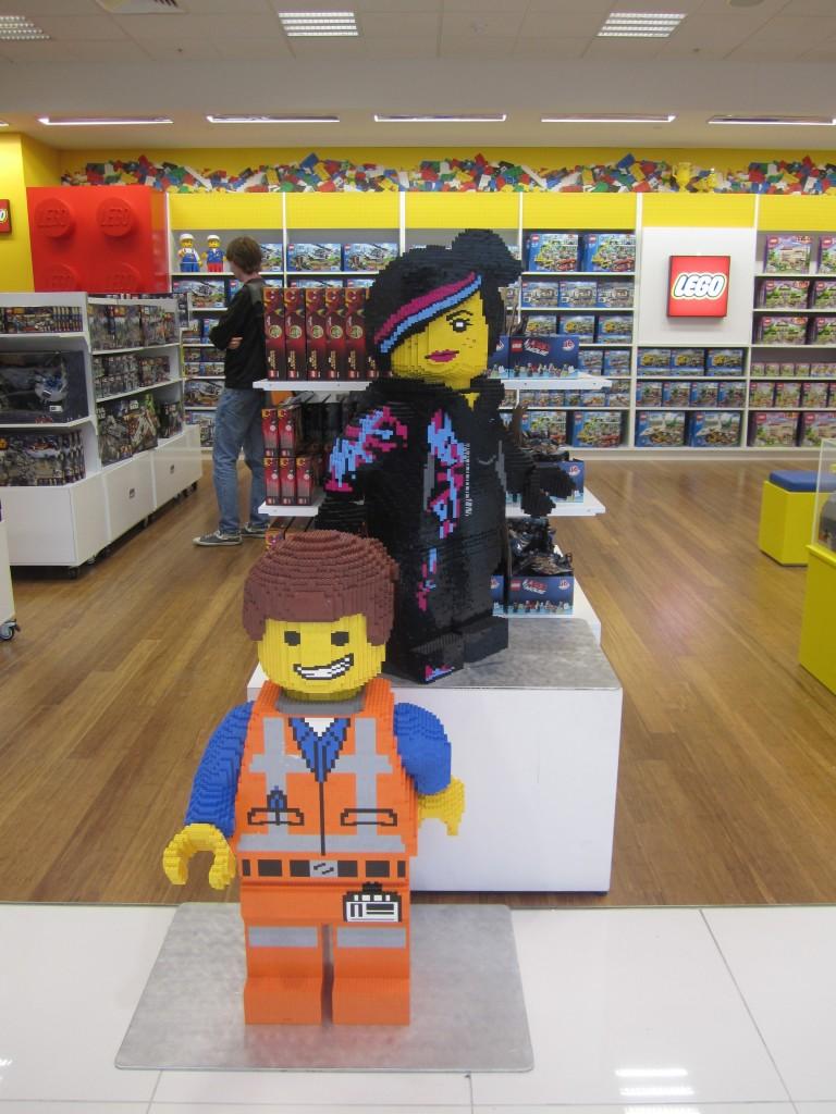 LEGO Emmet Wyldstyle Myer