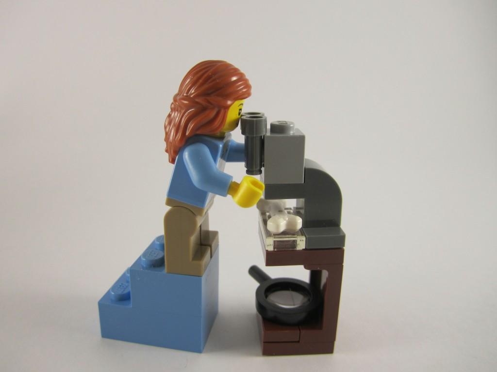 LEGO Ideas 21110 Research Institute  Archaeologist Microscope