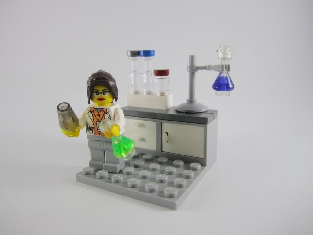 LEGO Ideas 21110 Research Institute  Chemistry Scene