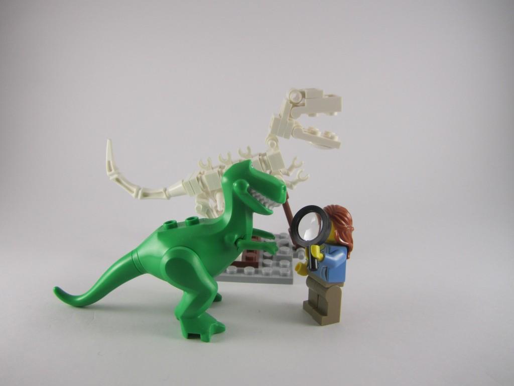 LEGO Ideas 21110 Research Institute  Dinosaur Comparison