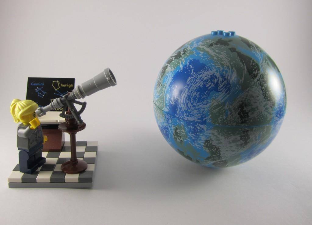 LEGO Ideas 21110 Research Institute  Stargazing