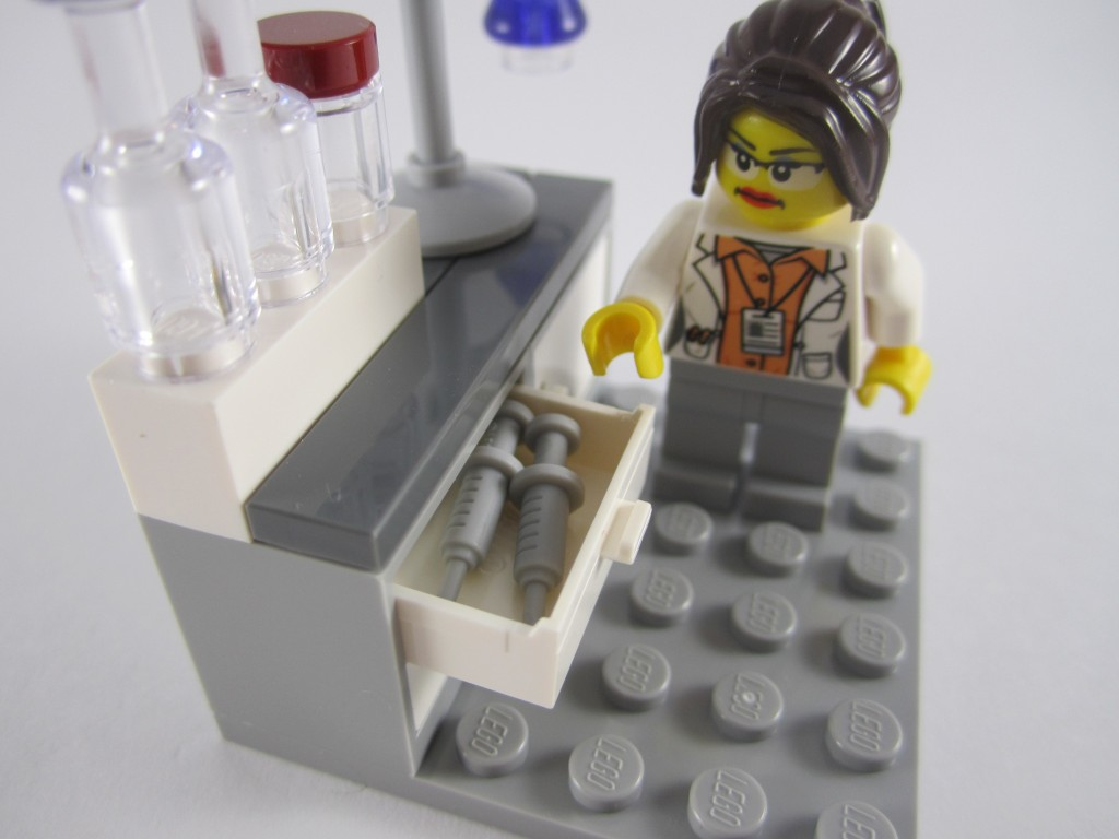 LEGO Ideas 21110 Research Institute  Syringe Drawers
