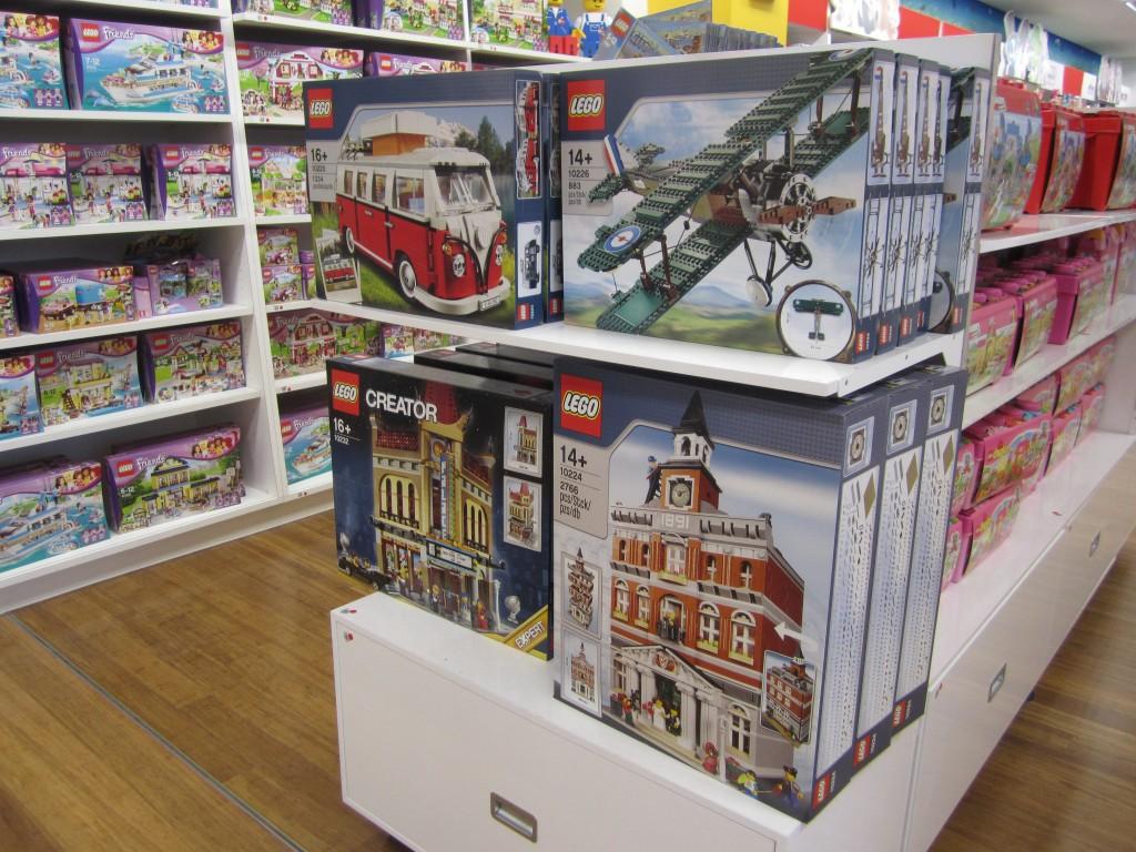 LEGO Modulars Myer