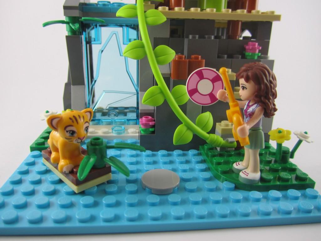 LEGO 41033 Jungle Falls Rescue Tiger on Plank
