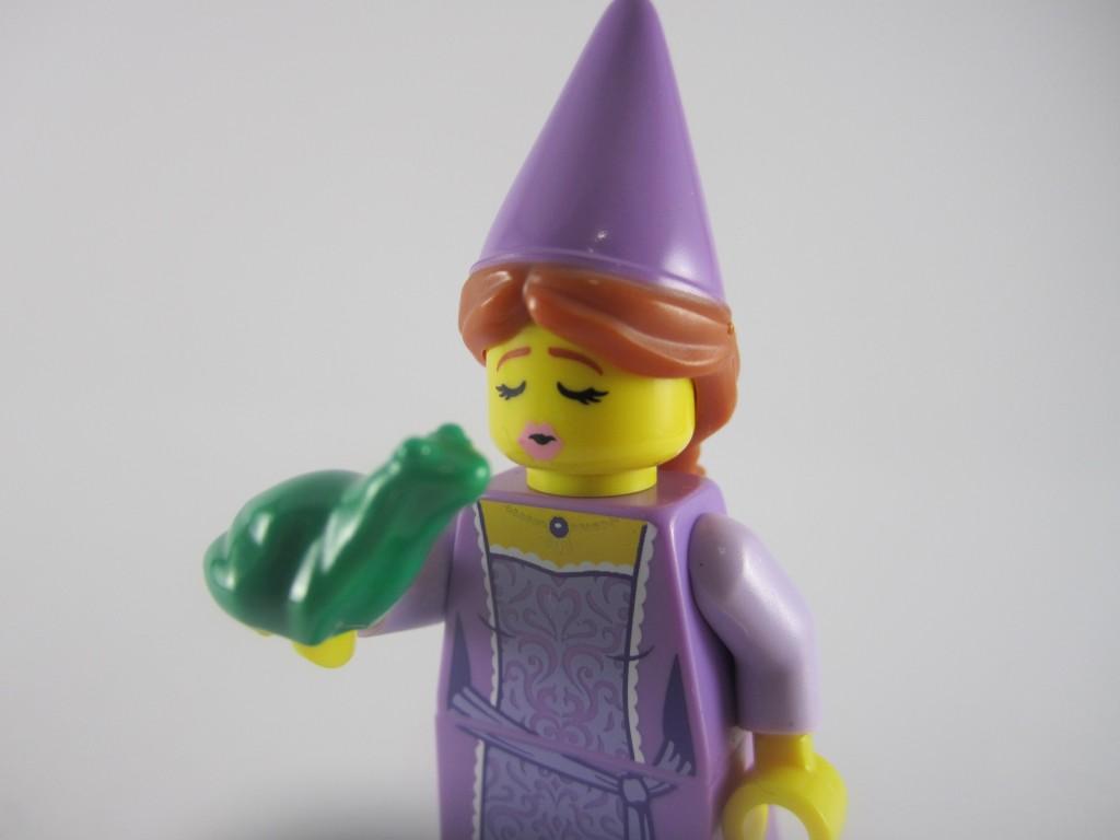 LEGO Series 12 Fairytale Princess Kiss Face