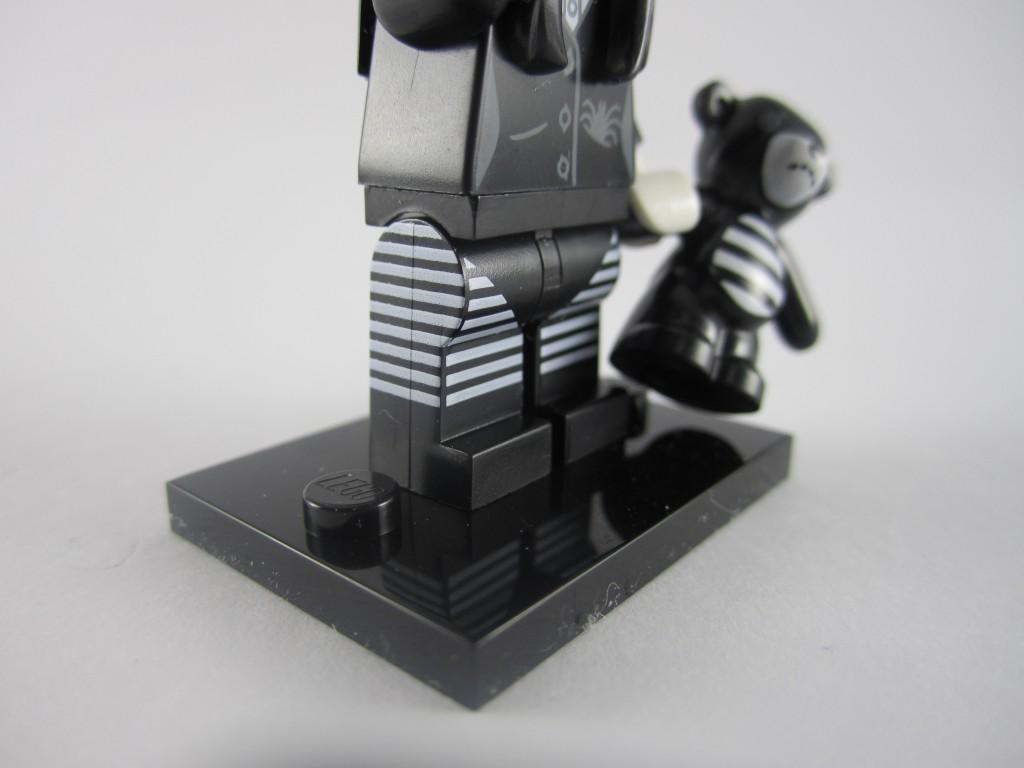 LEGO Series 12 Spooky Girl Leg Printing