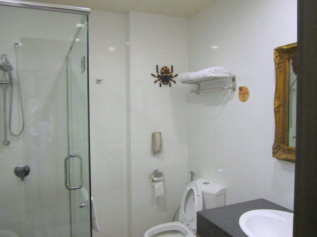 Legoland Malaysia Hotel Bathroom