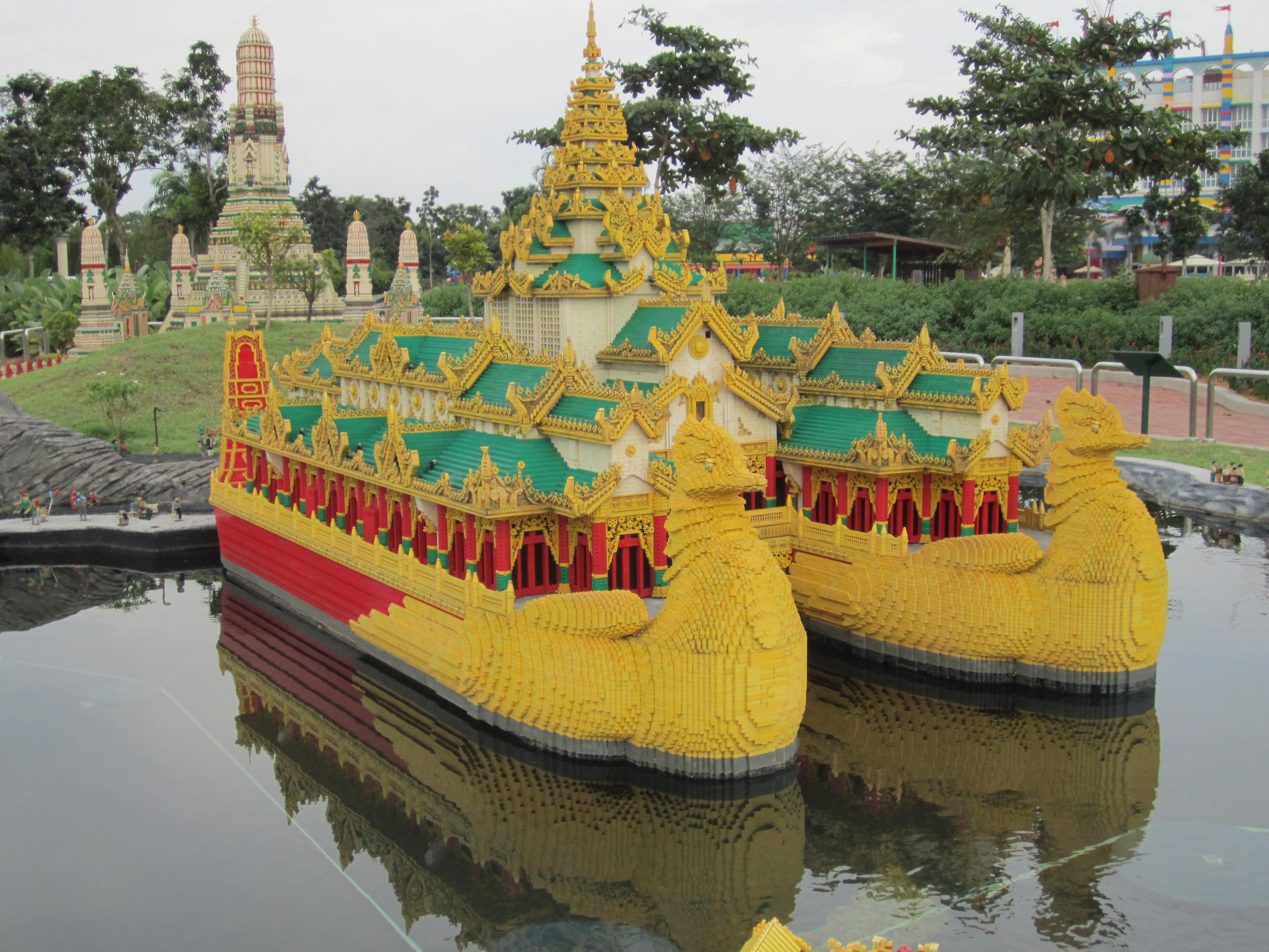 Review: Legoland Malaysia Theme Park