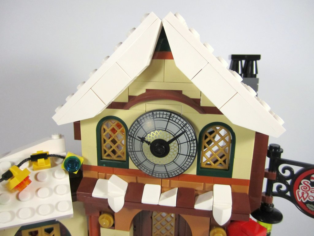 LEGO 10245 Santa's Workshop Clock