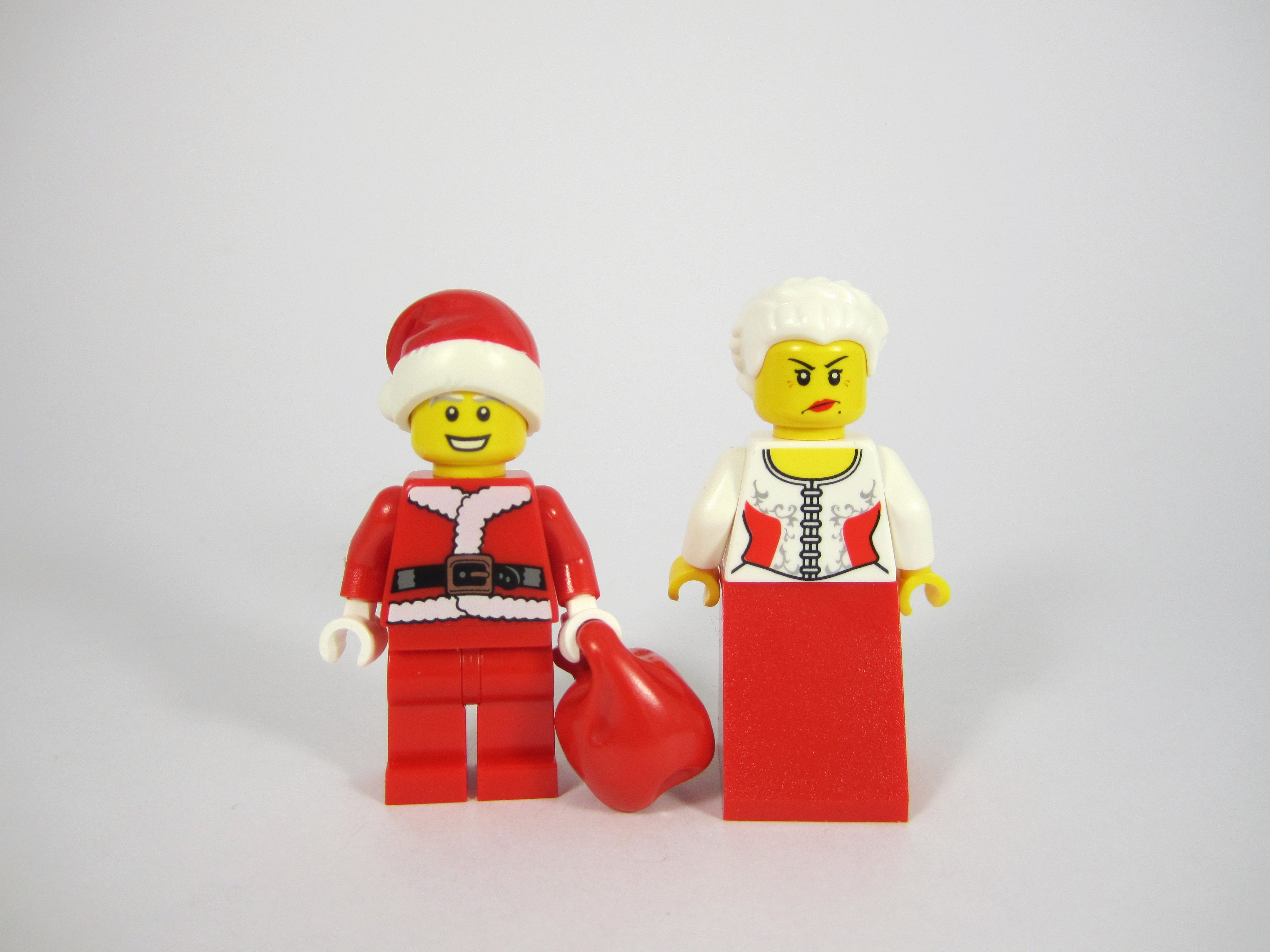 LEGO 10245 Santa's Workshop Mr and Mrs Clause alternate faces