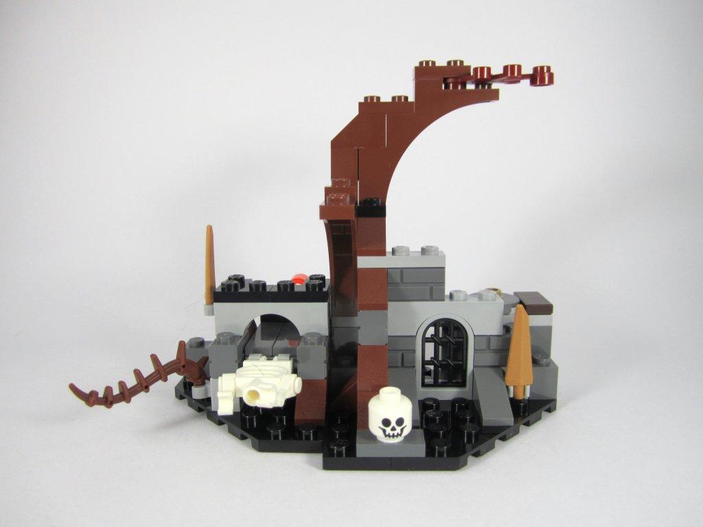 LEGO 79015 Witch King Battle - Dol Guldur Structure