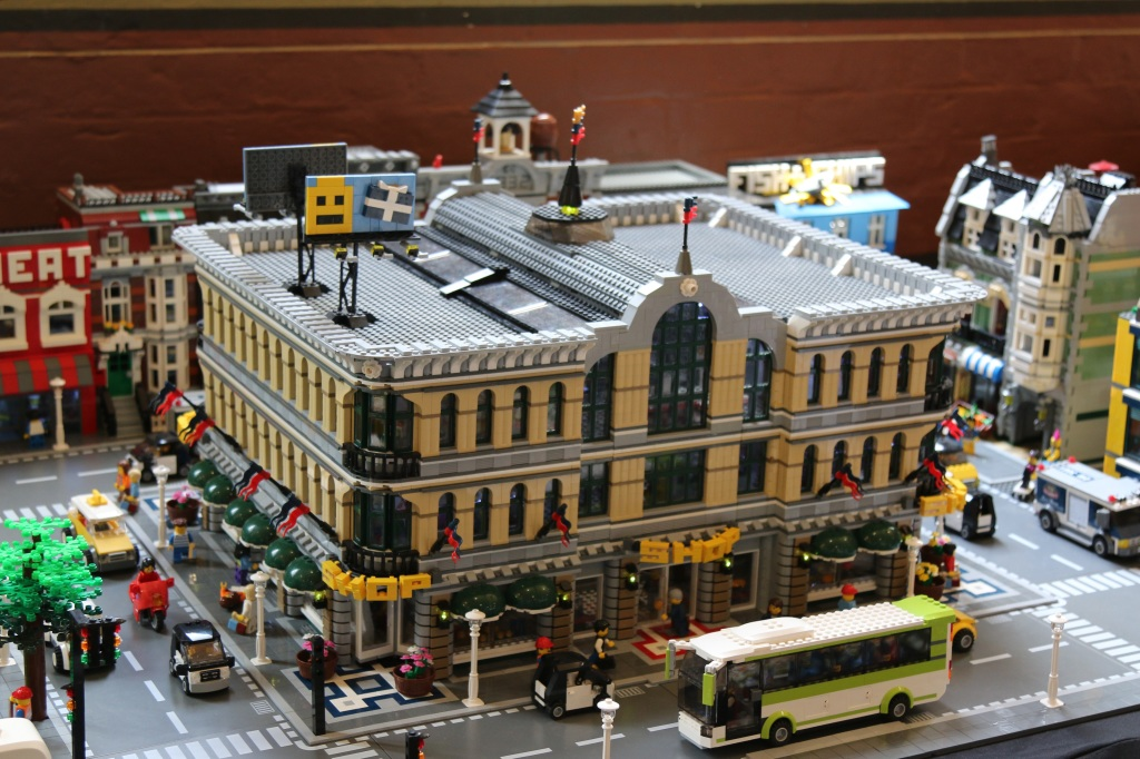 Brickvention 2015 - A very Grand Emporium