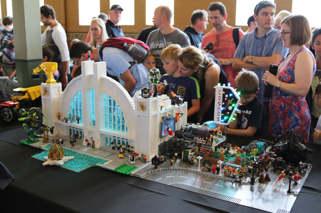 Brickvention 2015 - Cosmeos