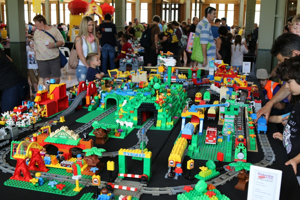 Brickvention 2015 - Giant Duplo City