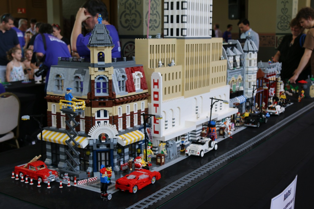 Brickvention 2015 - Miniland Scale Modular Street