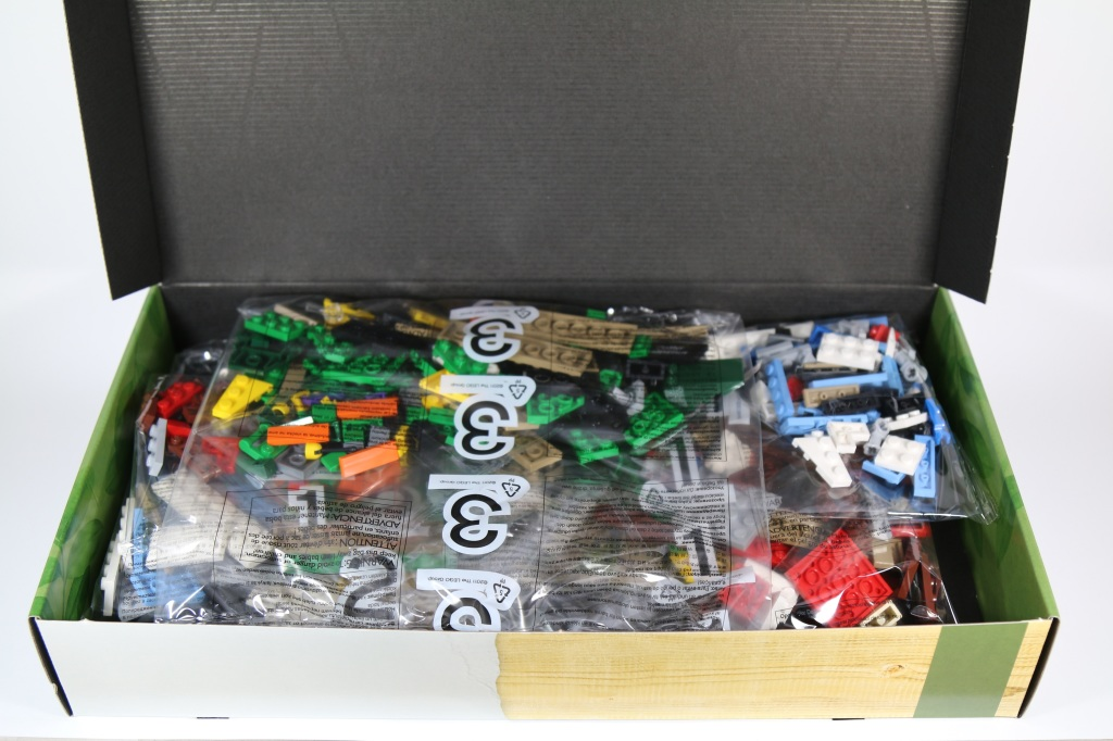 LEGO 21301 Birds - Box Contents