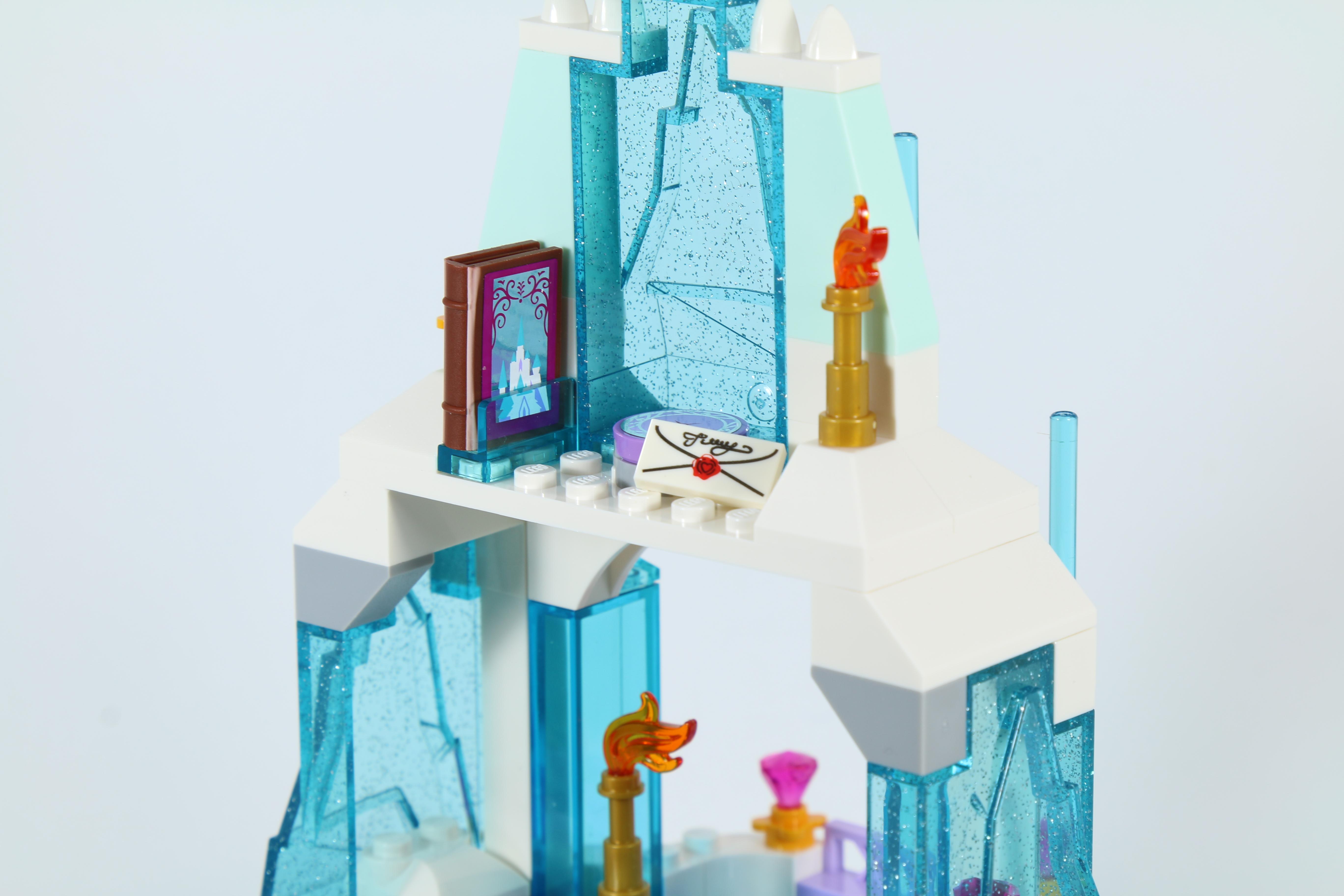 LEGO 41062 Elsa's Sparkling Ice Castle - Book