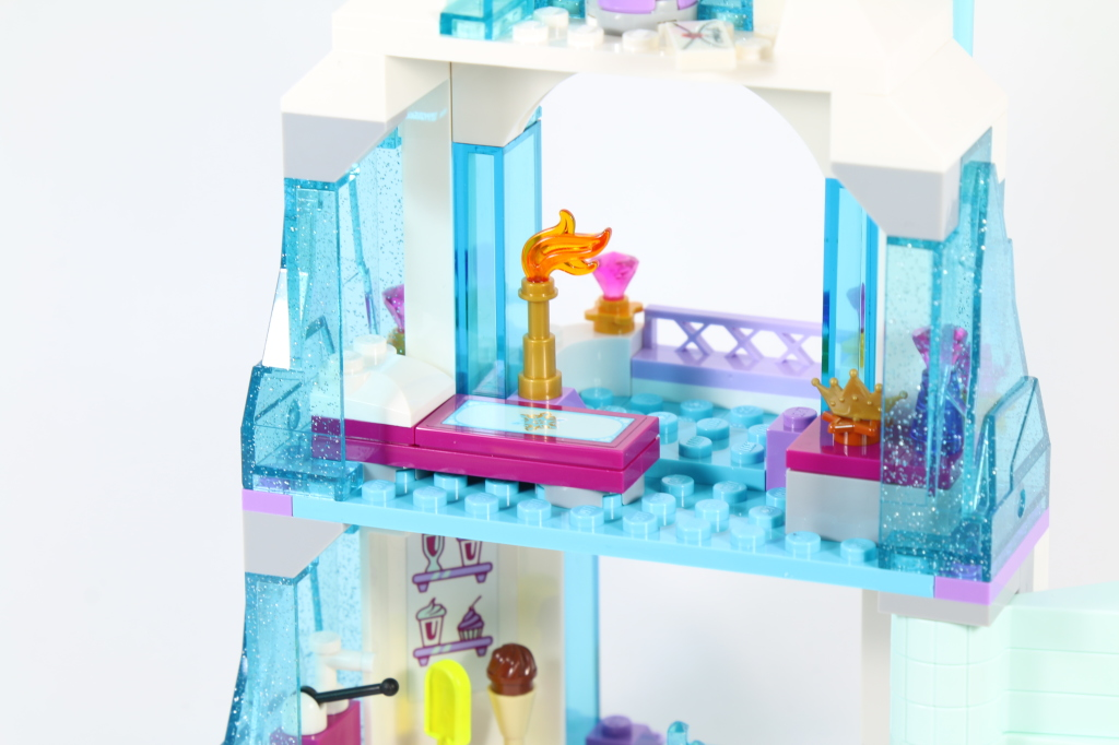 LEGO 41062 Elsa's Sparkling Ice Castle - Elsa's Bedroom