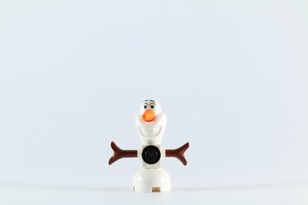 LEGO 41062 Elsa's Sparkling Ice Castle - Olaf