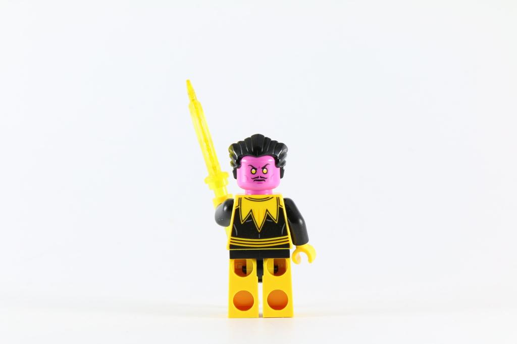 LEGO 76025 Green Lantern vs Sinestro - Sinestro Minifigure Back