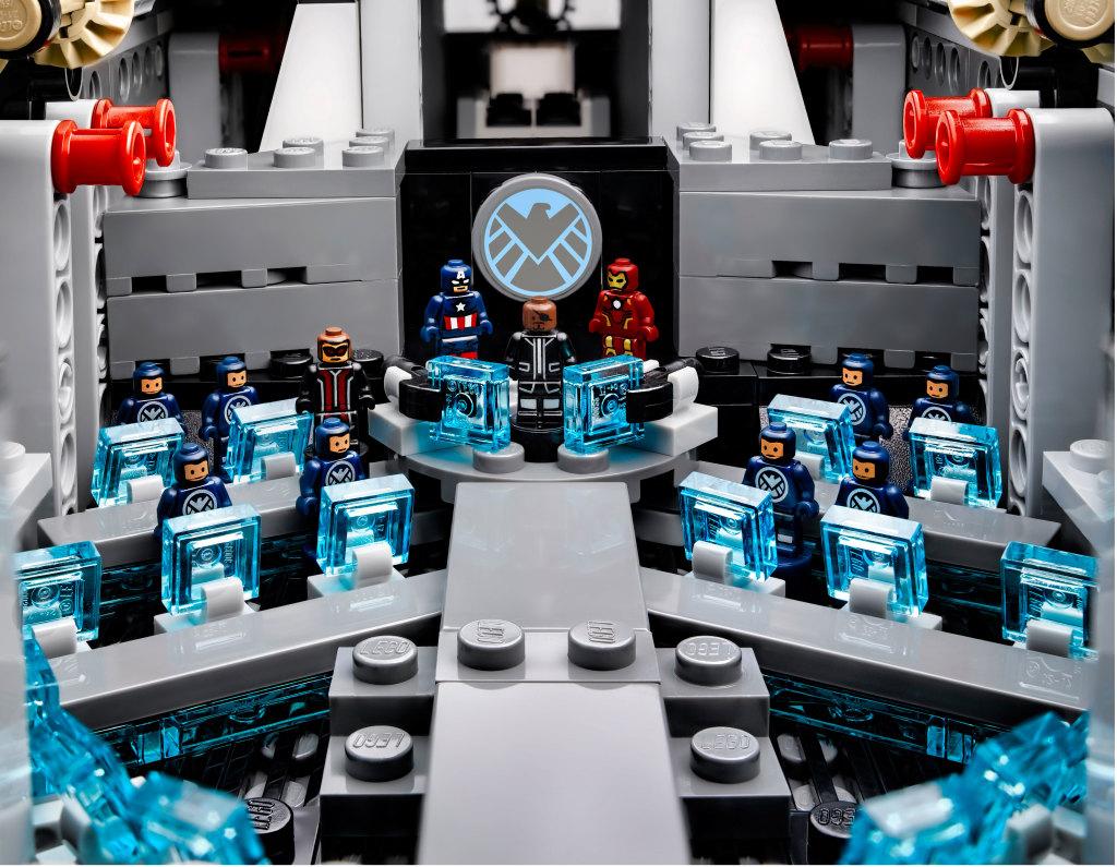 LEGO 76042 SHIELD Helicarrier - Bridge with Microfigures