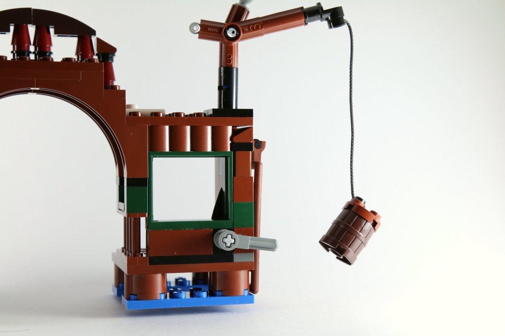 LEGO 79016 Attack on Lake-town Platform Back