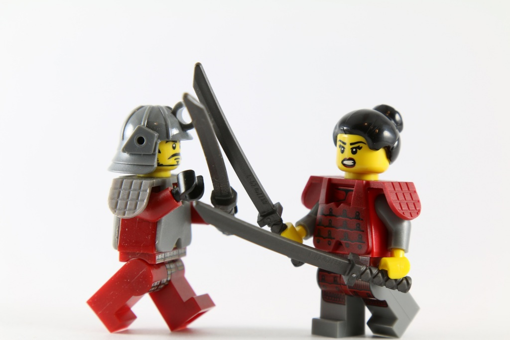 LEGO Minifigures Samurai Fight