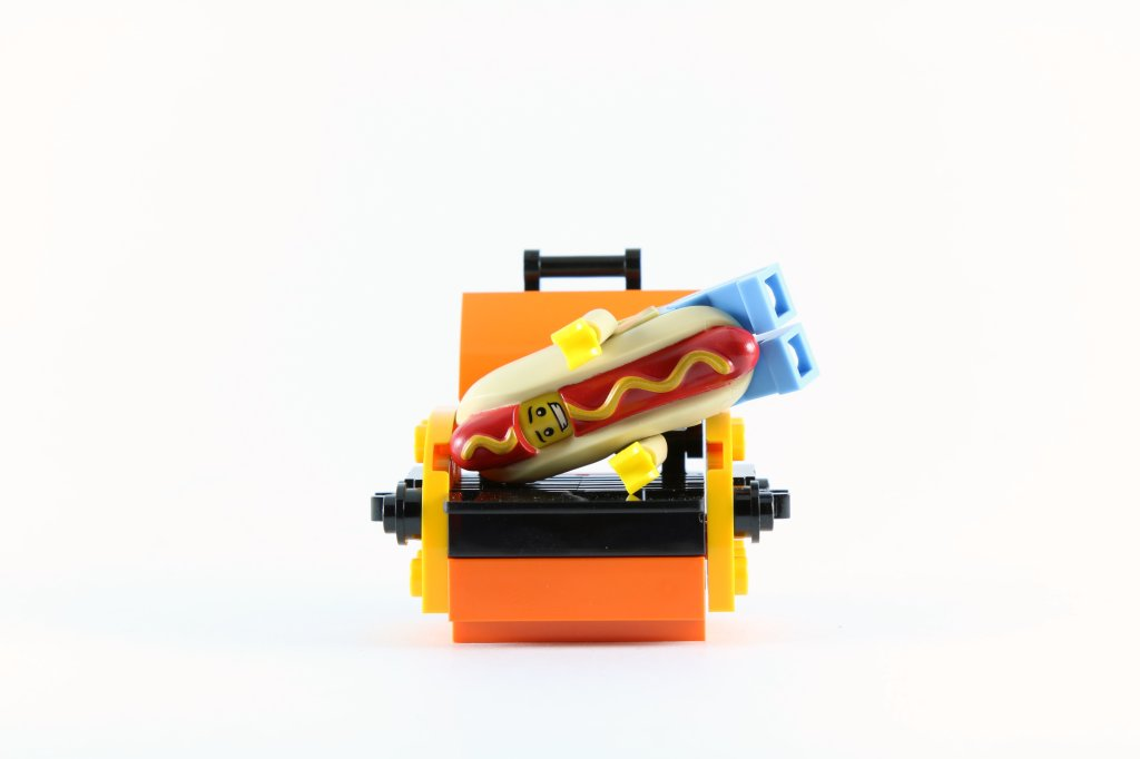 LEGO Minifigures Series 13 - Hot Dog Man on Grill